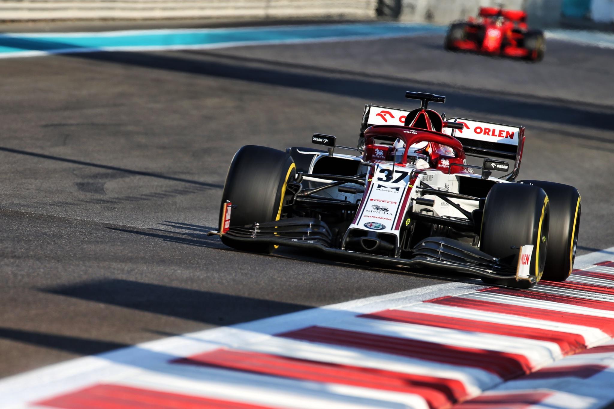 Callum Ilott (GBR) Alfa Romeo Racing C39 Test Driver.