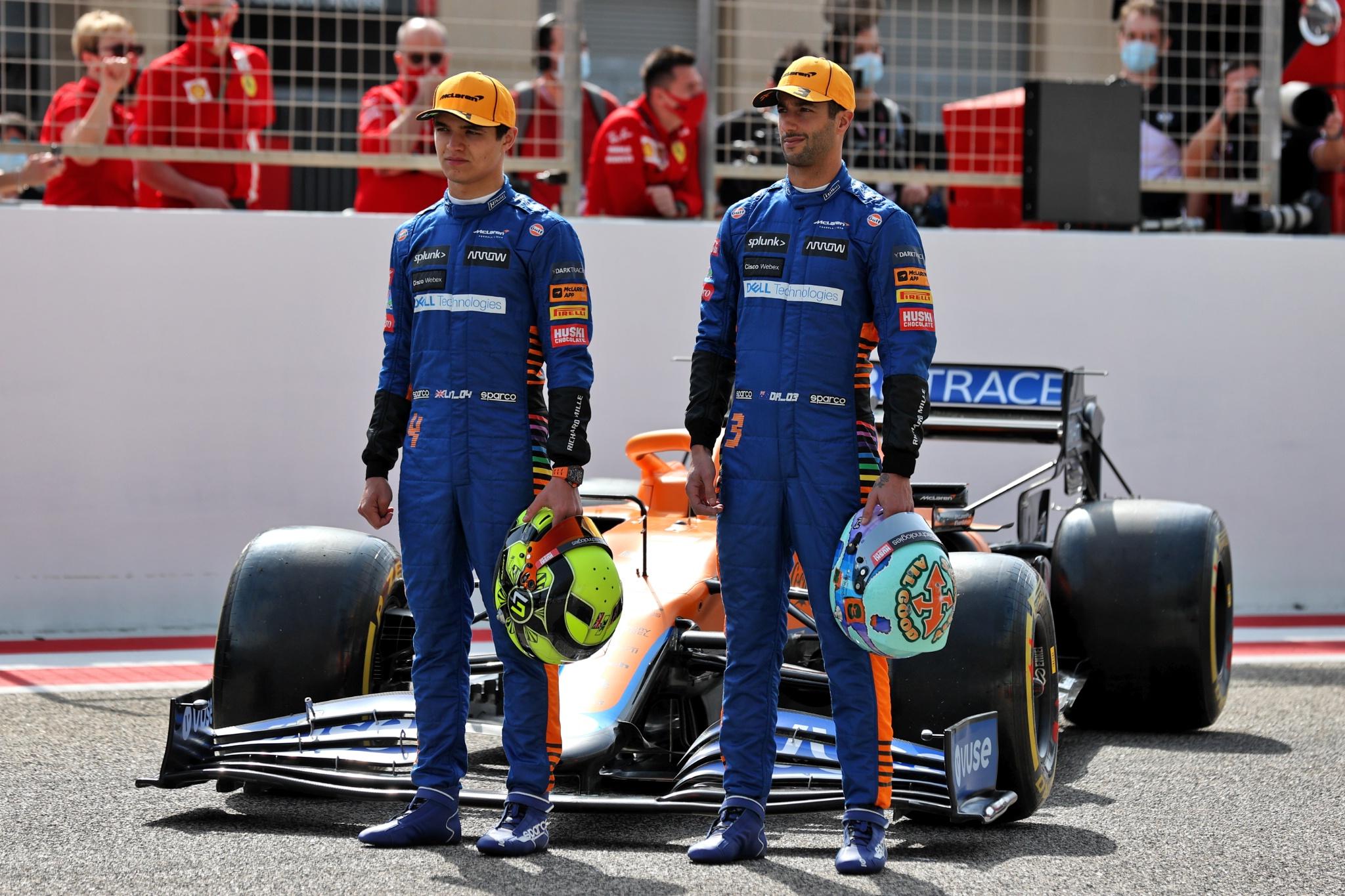(L to R): Lando Norris (GBR) McLaren MCL35M and Daniel Ricciardo (AUS) McLaren.