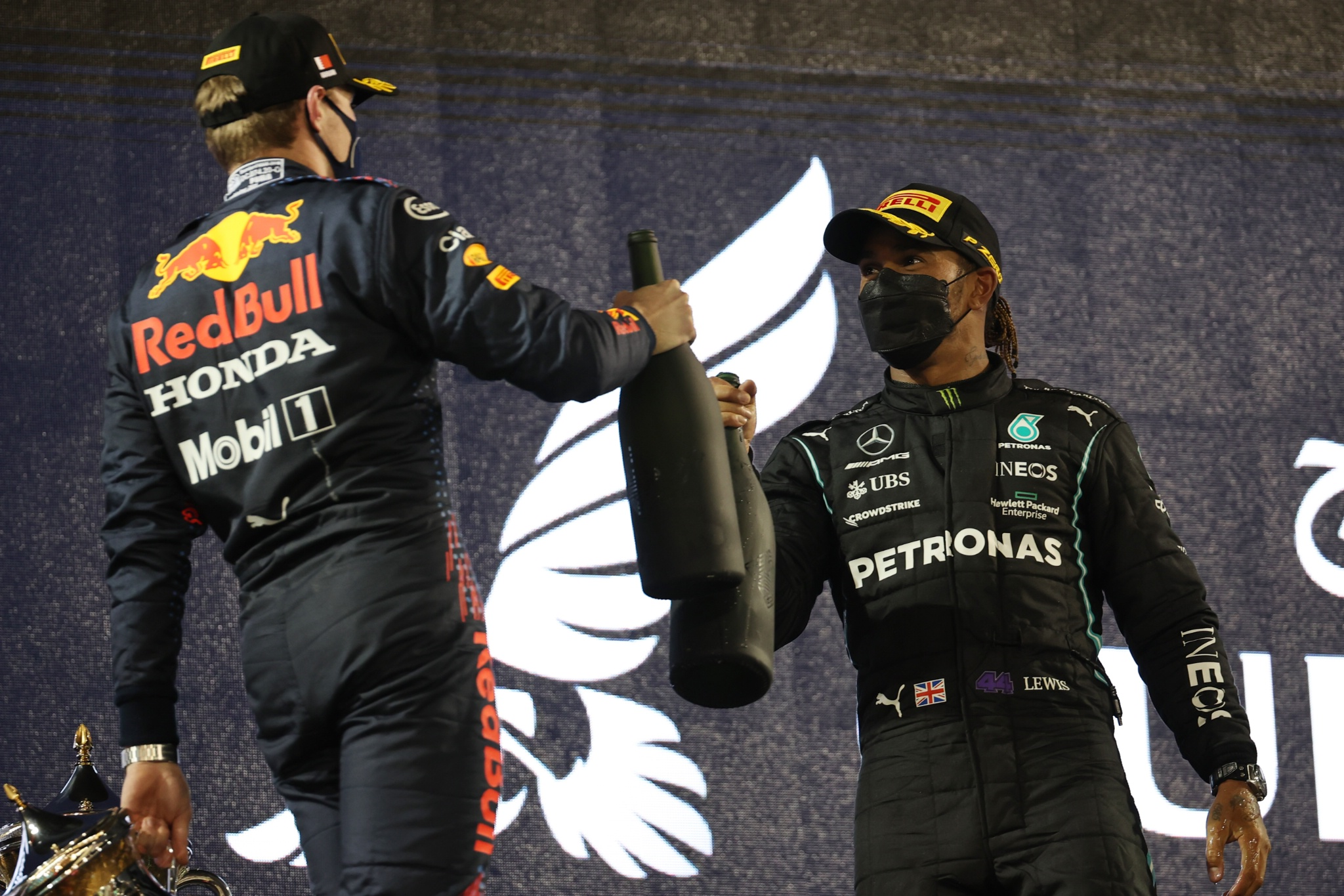 2nd place Max Verstappen (NLD) Red Bull Racing and 1st place Lewis Hamilton (GBR) Mercedes AMG F1 W12.