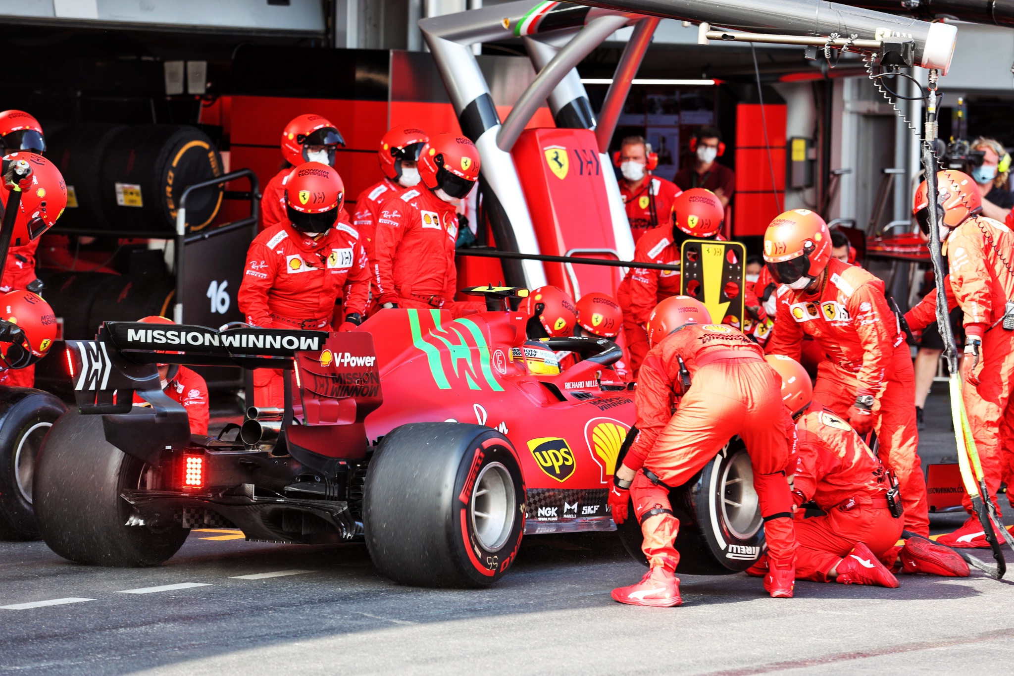 Carlos Sainz Jr (ESP) Ferrari SF-21 makes a pit stop.