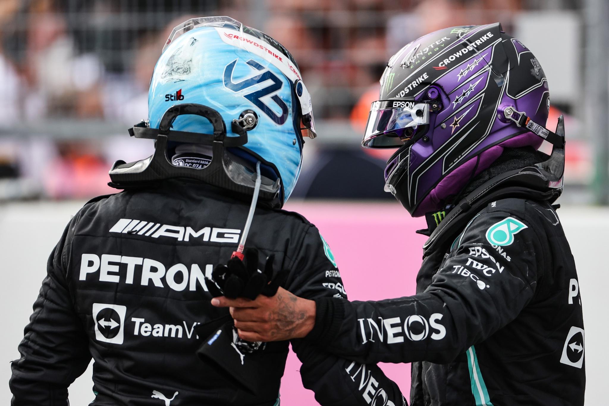 Valtteri Bottas (FIN), Mercedes AMG F1 and Lewis Hamilton (GBR), Mercedes AMG F1