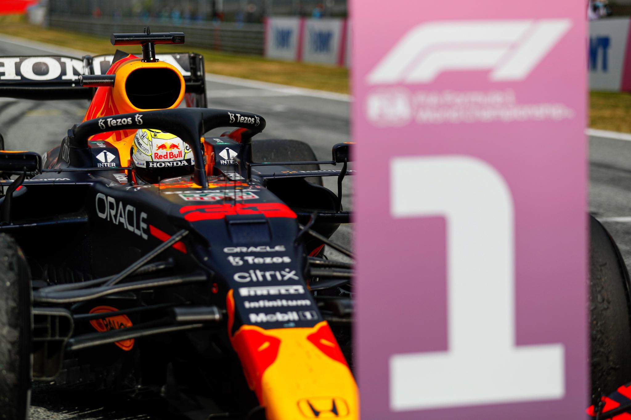 Race winner Max Verstappen (NLD) Red Bull Racing RB16B in parc ferme.