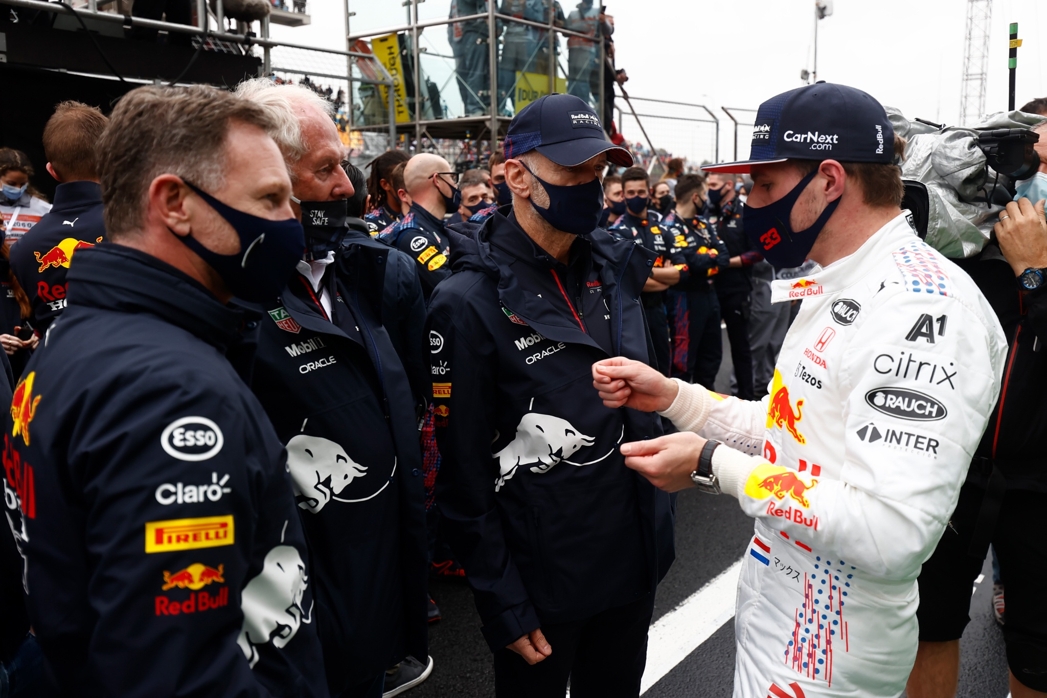 Max Verstappen (NLD) Red Bull Racing with Christian Horner (GBR) Red Bull Racing Team Principal; Dr Helmut Marko (AUT) Red Bull Motorsport Consultant; and Adrian Newey (GBR) Red Bull Racing Chief Technical Officer in parc ferme.