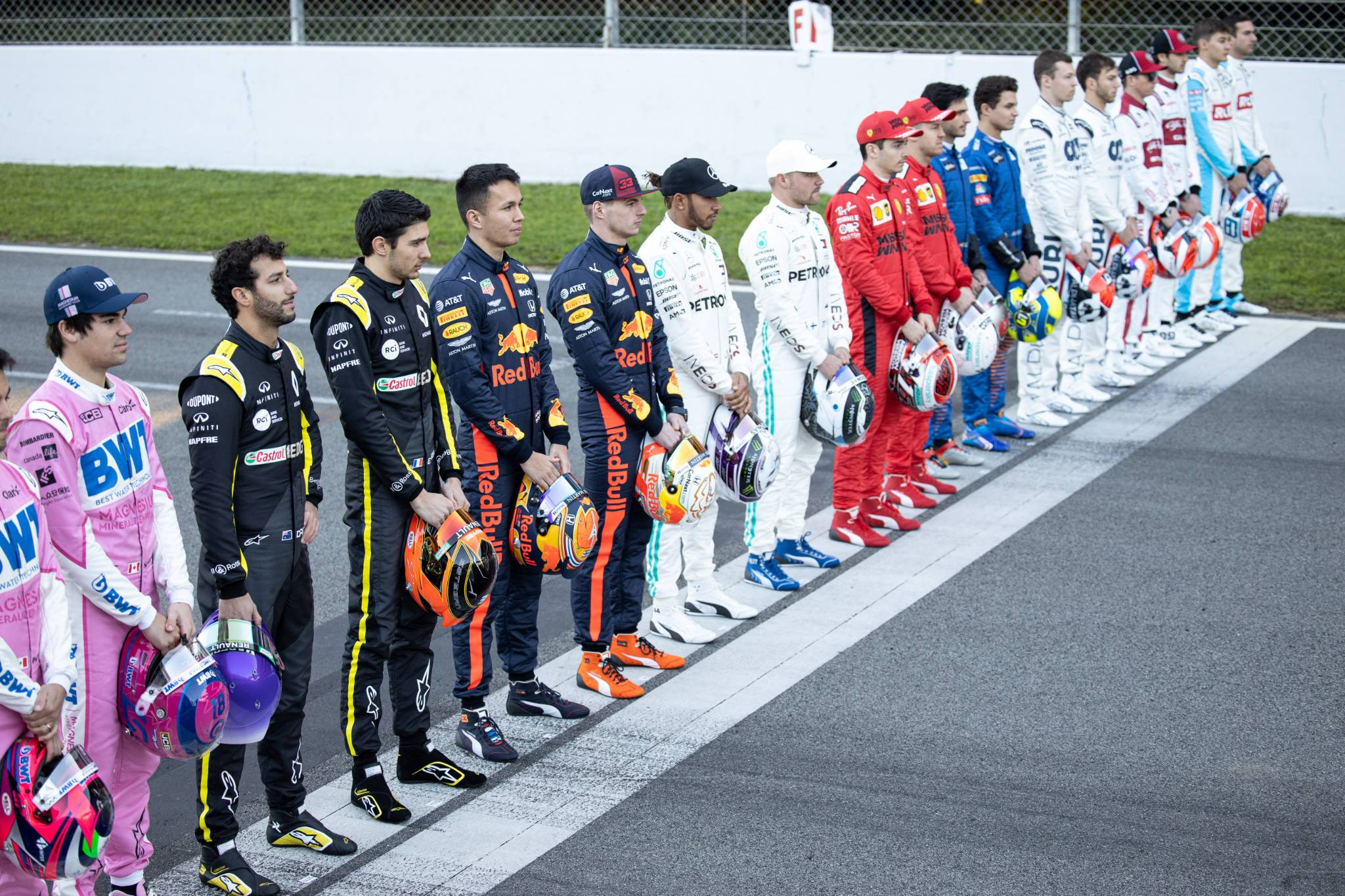 A drivers group photograph.