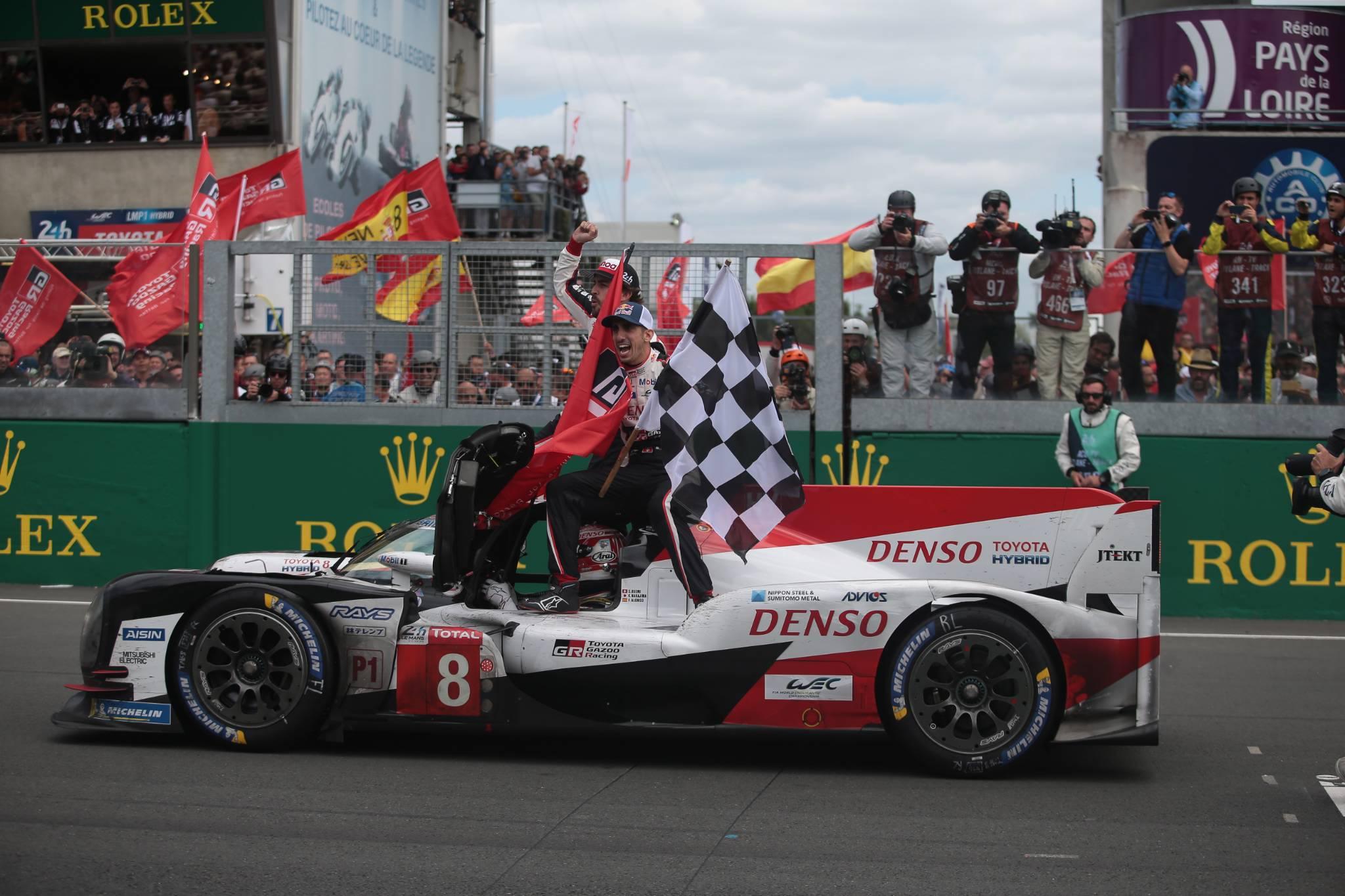 Winners of the 24 Hours of Le Mans 2018 Toyota Gazoo Racing - #8 Toyota TS050 Hybrid - LMP1 - Sébastien Buemi(CHE), Kazuki Nakajima(JPN), Fernando Alonso(ESP)