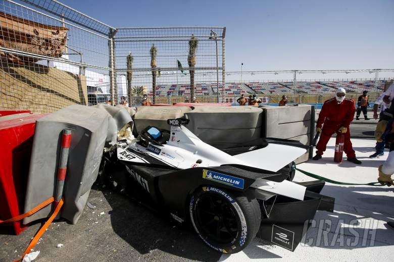 Edoardo Mortara crash, free practice Ad-Diriyah E-Prix
