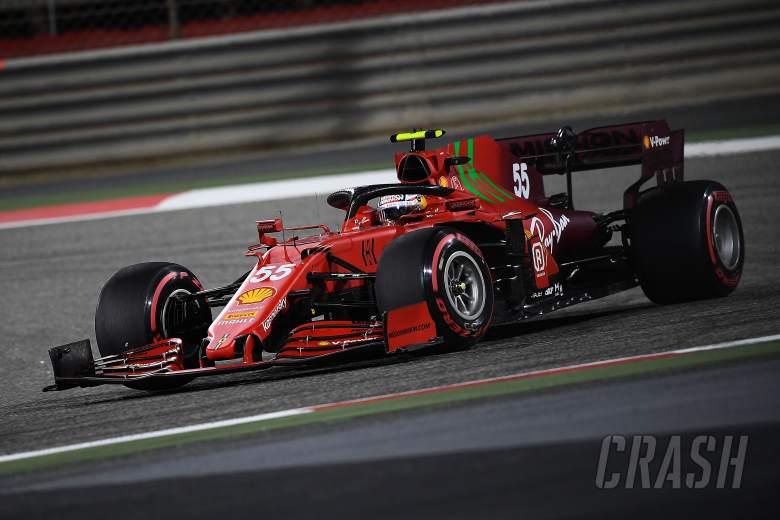Main Aman Saat Debut Ferrari, Carlos Sainz Janji Lebih Agresif