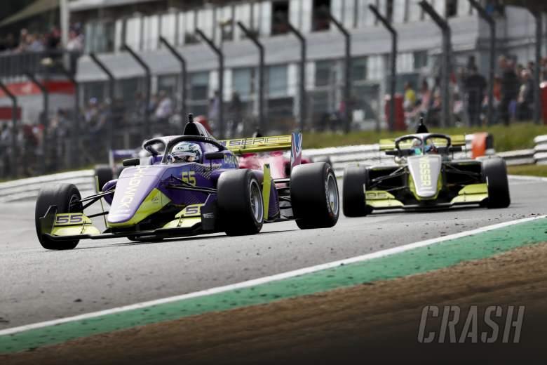 Seri W untuk mendukung F1 pada delapan balapan dalam kemitraan baru untuk tahun 2021