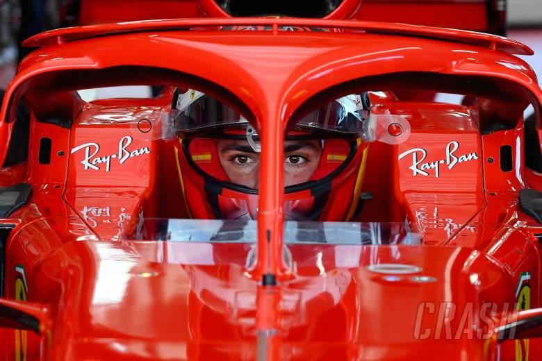Carlos Sainz Bungkam Soal Kecelakaan Tes Ban Pirelli 18 Inci