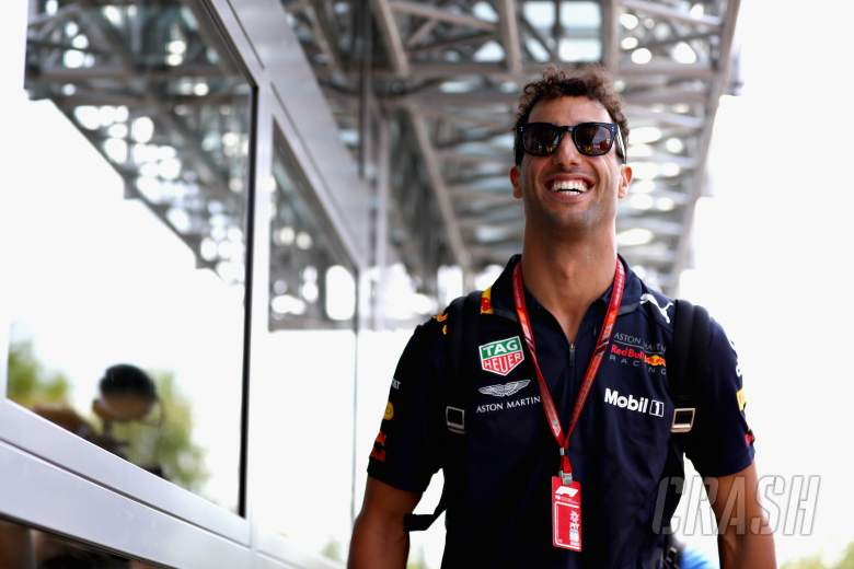 How Renault stole Ricciardo away from Red Bull