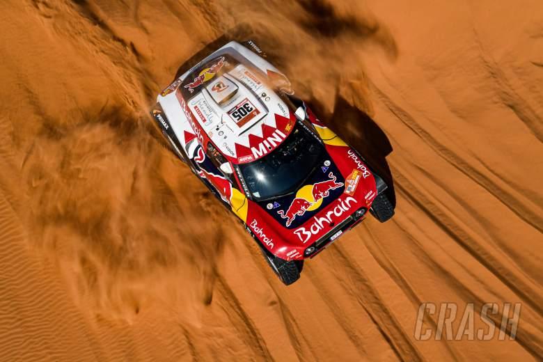 Sainz clinches third Dakar victory, Alonso 13th