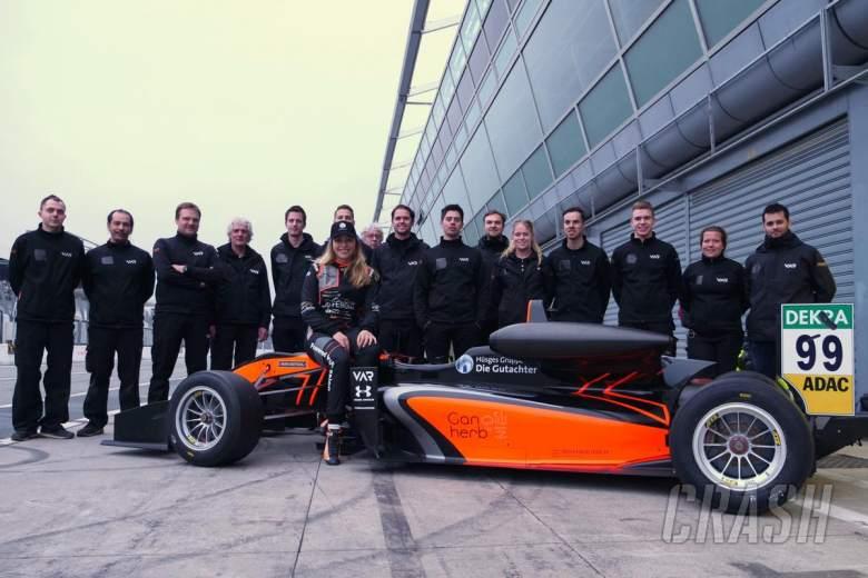 Flörsch menyelesaikan pertandingan F3 pertama sejak kecelakaan GP Makau