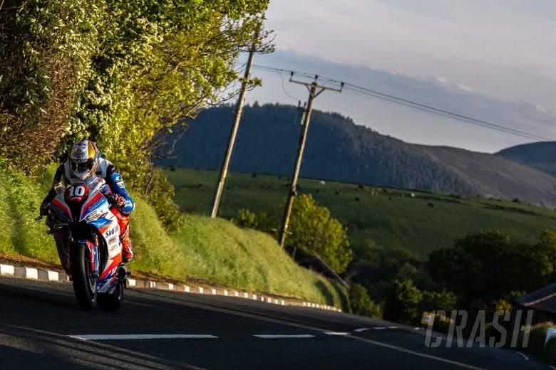 Peter Hickman, Smiths Racing BMW, Isle of Man TT,