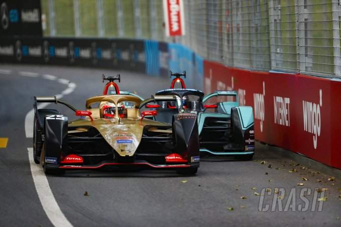 Vergne resists Evans for victory in red-flagged Swiss E-Prix