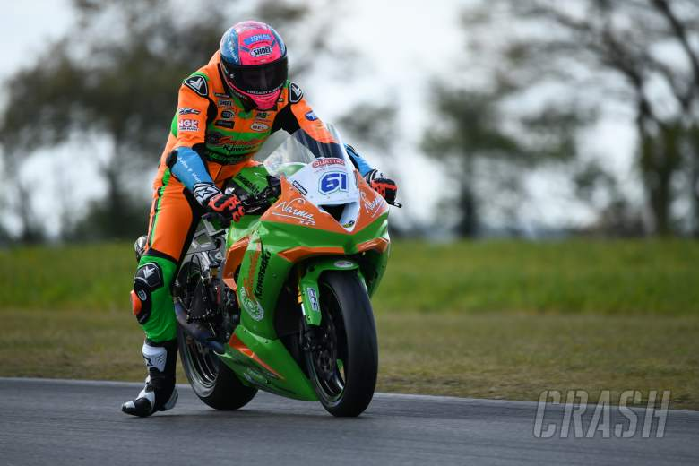 Positive start to BSB testing for Gearlink Kawasaki riders Currie and Mcglinchey