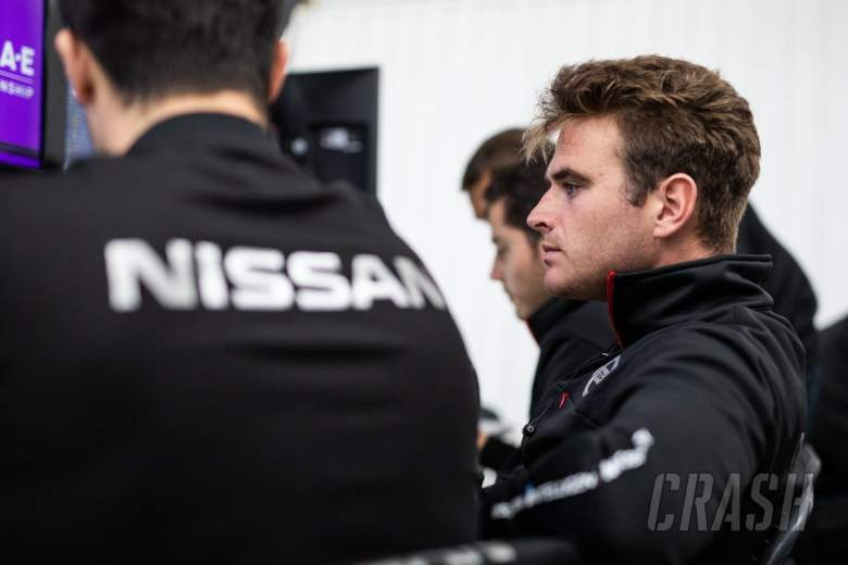 Rowland replaces Albon at Nissan for Valencia FE test