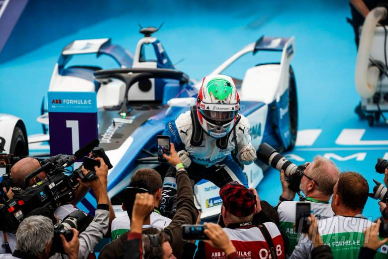 BMW's da Costa beats Vergne for first win of FE's new era