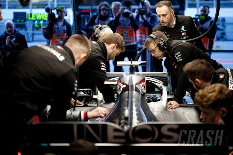 Mercedes to keep F1 factories open amid coronavirus outbreak
