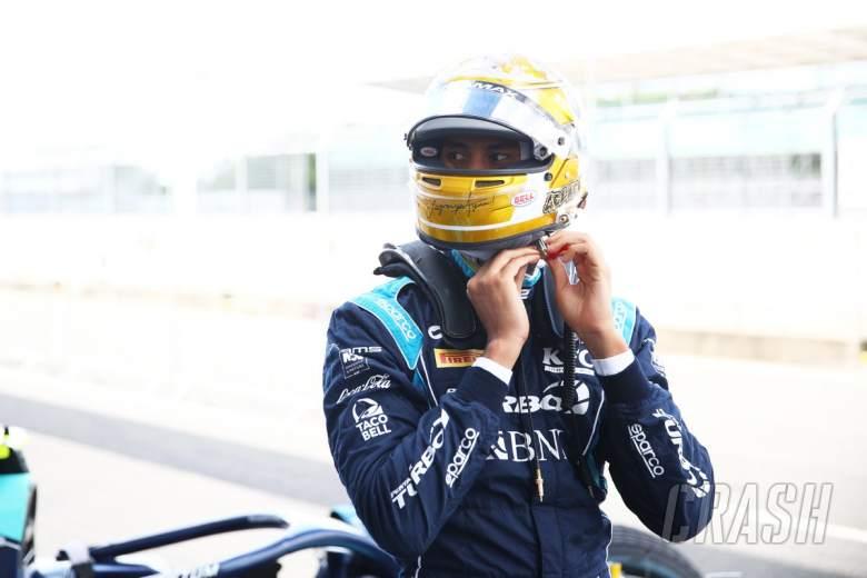 Gelael patah tulang belakang, absen balapan sprint F2 di Barcelona