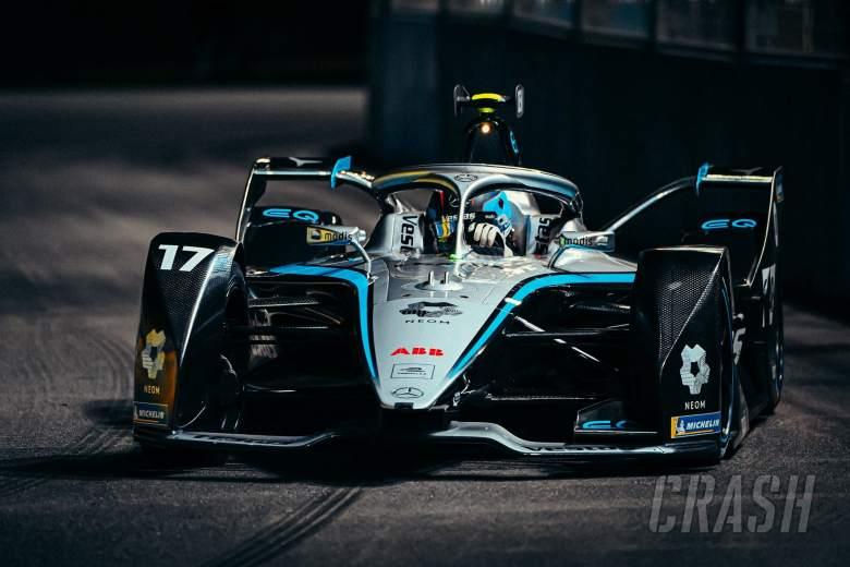 de Vries takes maiden Formula E win in Saudia Arabia opener