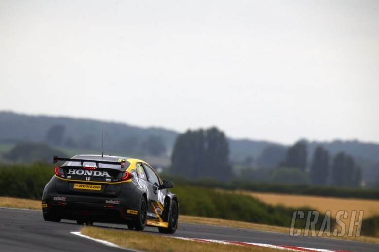 Goff clinches race one pole position