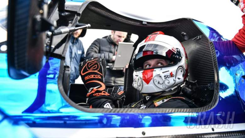 Simpson menggantikan Stoneman di line-up Manor Ginetta WEC LMP1