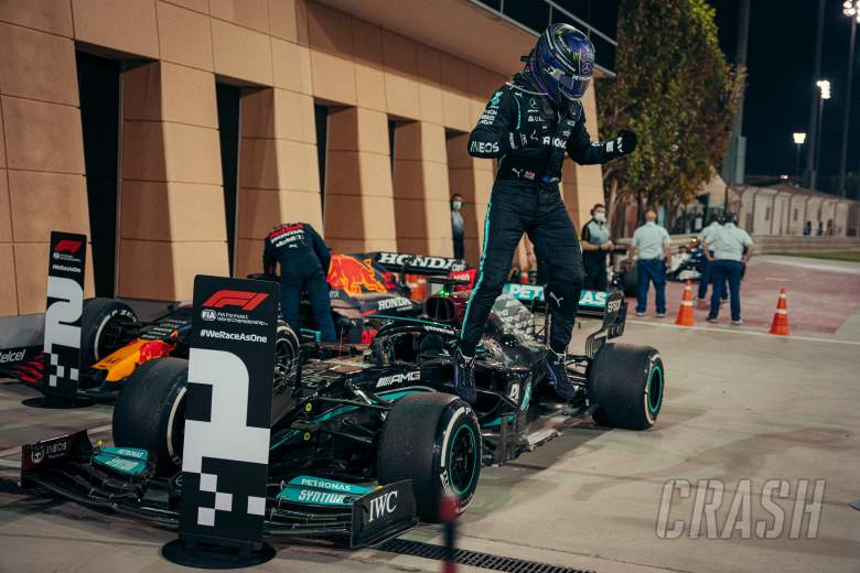 "Hamilton admits last laps of F1 Bahrain GP were ""horrifying"""
