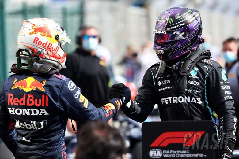 Hamilton-Verstappen Komentari Perindahan Staf Mercedes ke Red Bull
