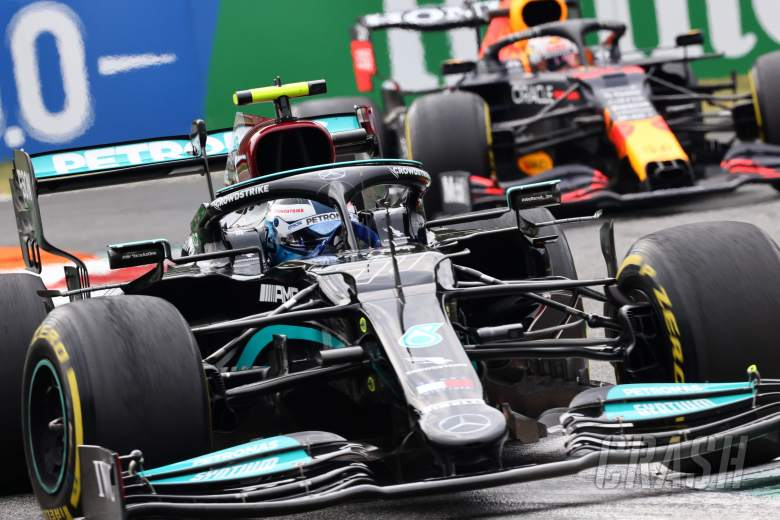 Mercedes must be 'pretty critical' after missed Monza F1 win