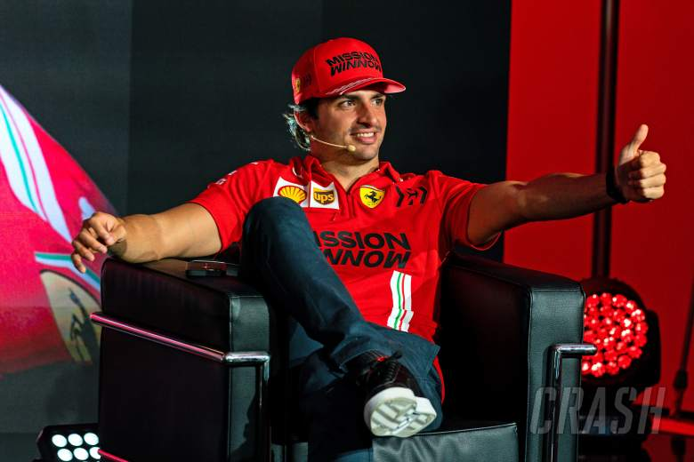 'Curious, open-minded' Sainz proving a natural fit at Ferrari F1 team