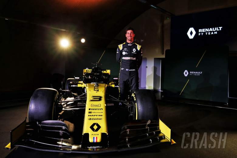 Ricciardo completes first Renault F1 run