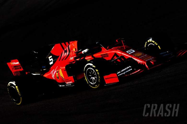 Vettel pips Hamilton but breaks down as F1 testing ends