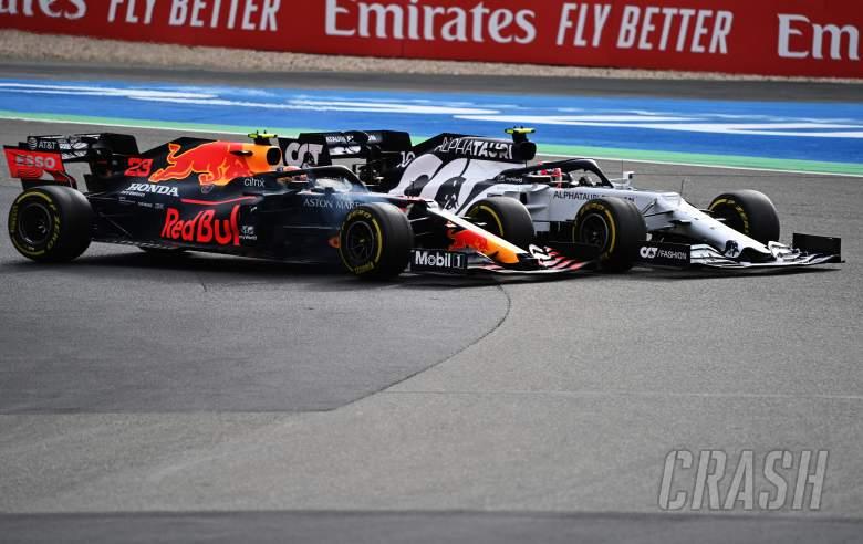 """Albon memiliki """"akhir pekan yang cukup masuk akal"""" meskipun penalti F1 """"keras"""" - Horner"""