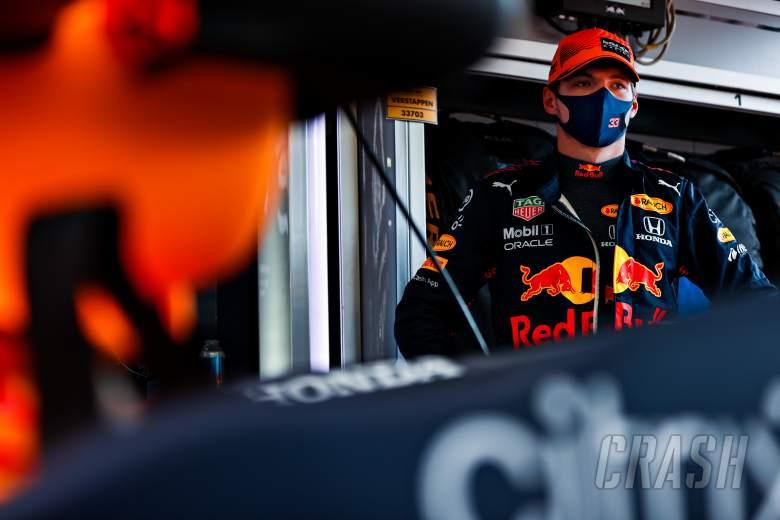Apakah lebih baik menjadi pemburu atau yang diburu dalam pertarungan gelar F1?