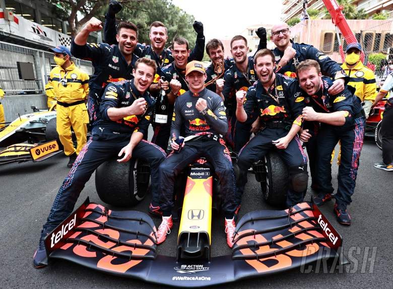 """Crucial for Red Bull to capitalise on Mercedes' """"rare off-day"""" - Horner"""