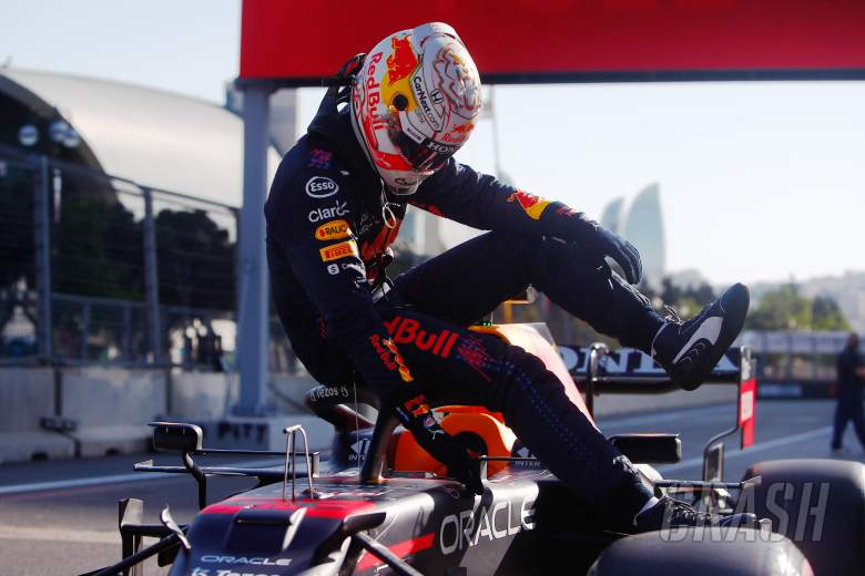 """Verstappen frustrated by """"stupid"""" Baku F1 qualifying after missing pole"""