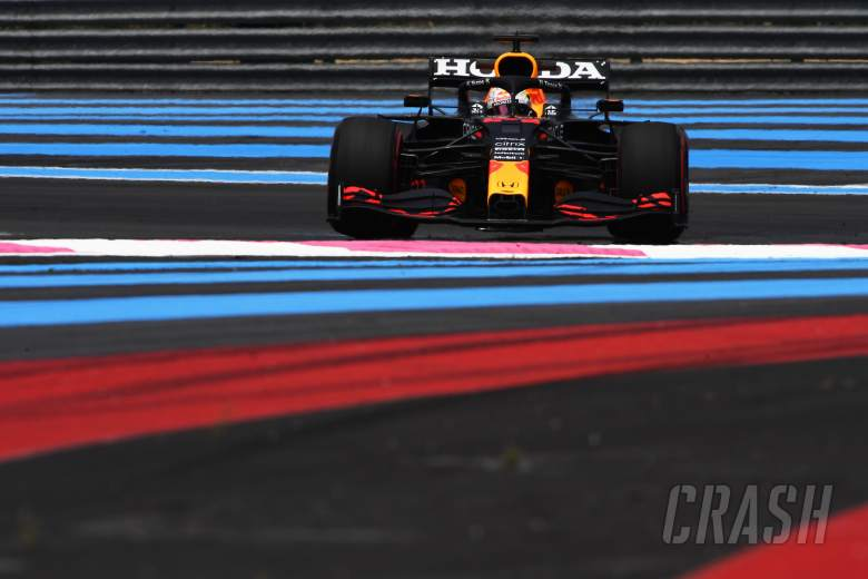 Verstappen sets blistering pace to pull 0.7s clear in final practice