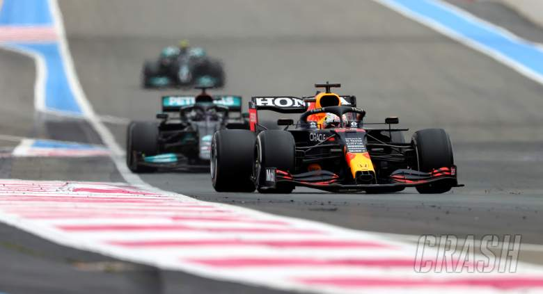 """Mercedes """"losing three and a half tenths"""" to Red Bull on straights - Hamilton"""