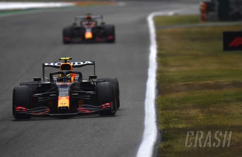 Horner Klaim Perez Korbankan 0,5 Detik untuk Bantu Verstappen