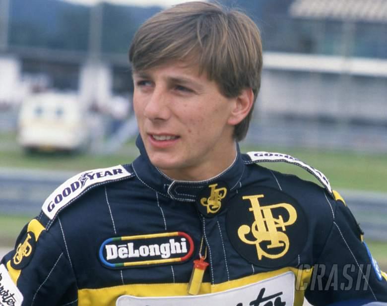Pemenang Le Mans dan eks-Lotus, Johnny Dumfries, Meninggal