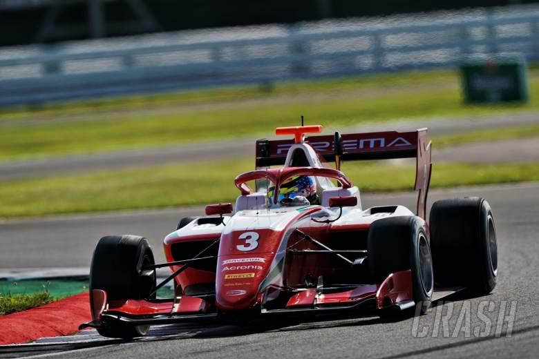 Badai besar ke tiang Silverstone kedua di Formula 3