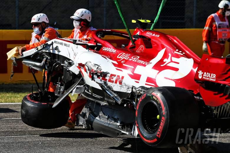 'Hal terburuk yang pernah saya lihat' - Pembalap F1 bereaksi untuk memulai kembali kekacauan