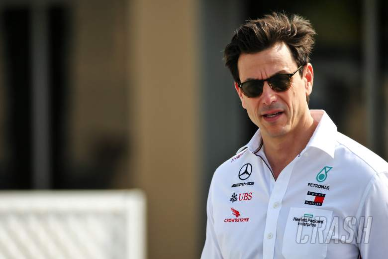 Wolff insists Mercedes won't 'flirt' with other F1 drivers over 2022 seats