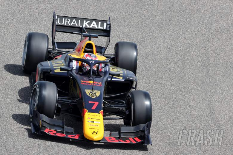 Lawson fends off Daruvala to win maiden Formula 2 race in Bahrain