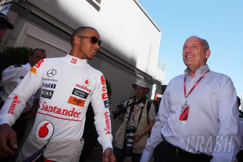 Hamilton's former F1 boss Dennis backs Verstappen to win title