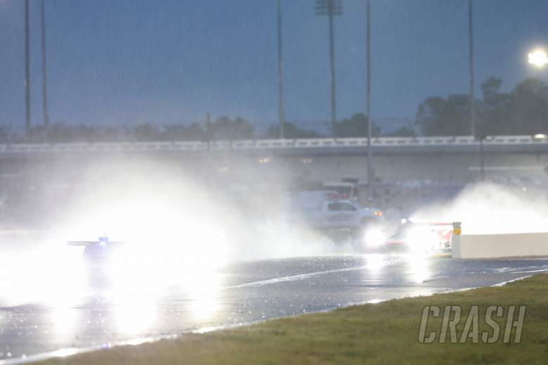 Taylor leads, rain persists entering final 3h of Rolex 24