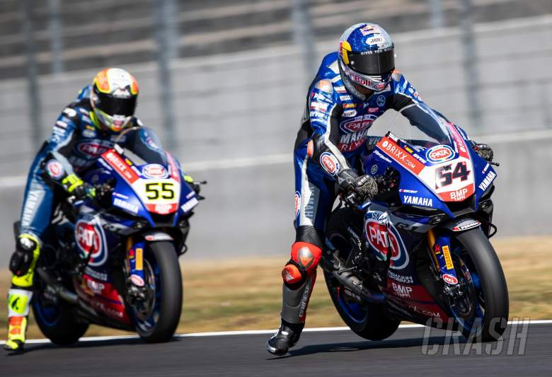Razgatlioglu dominates opening day at Magny-Cours, leads Redding and Rea