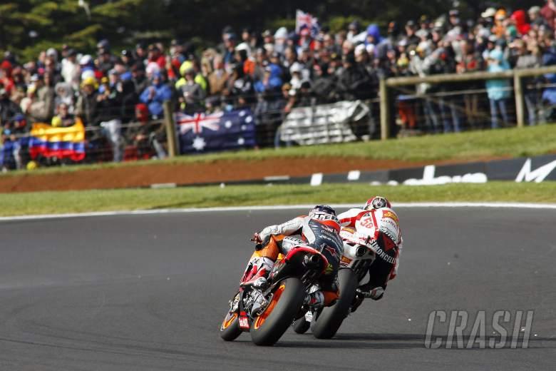 Dovizioso and Simoncelli, Australian MotoGP Race 2011