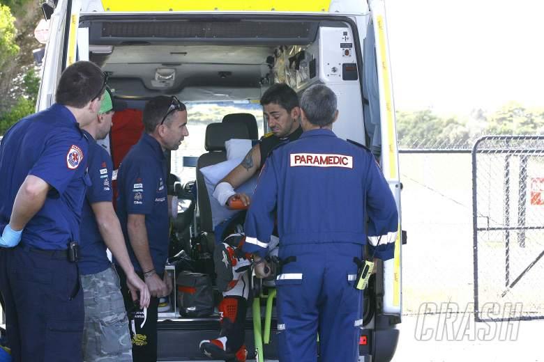 Hopkins with injured hand after crash, Phillip Island WSBK tests, 13-14 January 2012