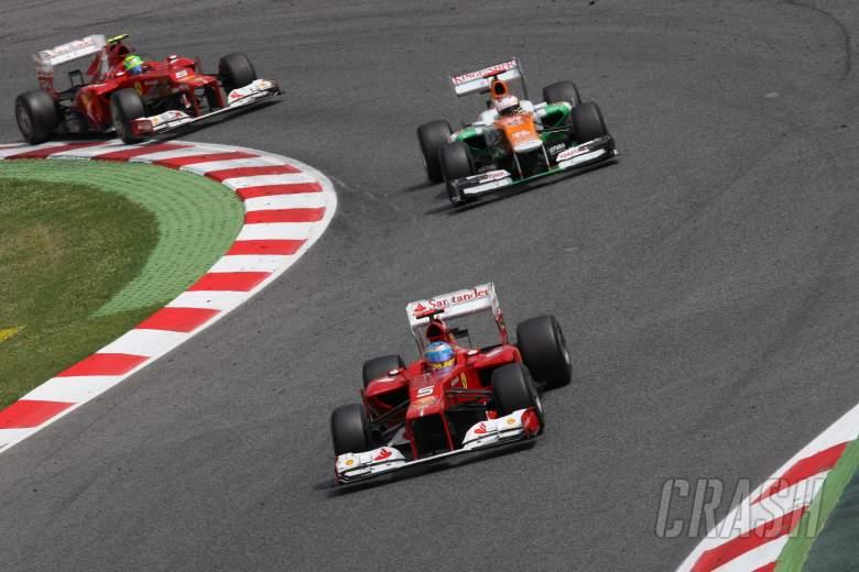 13.05.2012- Race, Fernando Alonso (ESP) Scuderia Ferrari F2012 leads Paul di Resta (GBR) Sahara Forc